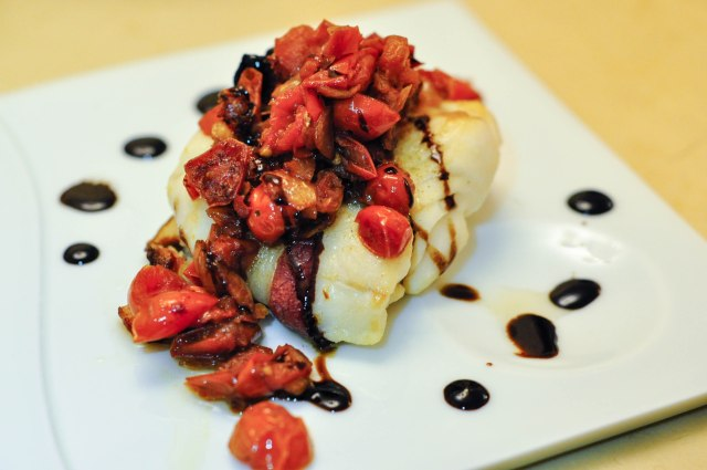 Oven roasted bacon wrapped hoki fillet with cherry tomato sauce and balsamic glaze (10 of 11)