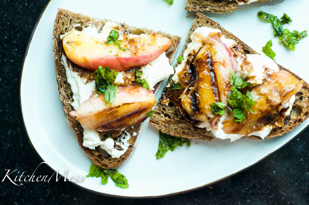 Grilled Vanilla Peaches with Ricotta Toast (20 of 26)