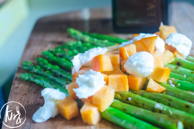 Grilled asparagus with persimmon and mozzarella (7 of 14)