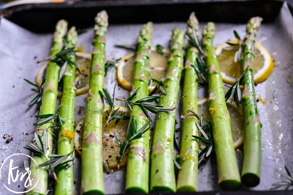 Roast asparagus with lemon-0475