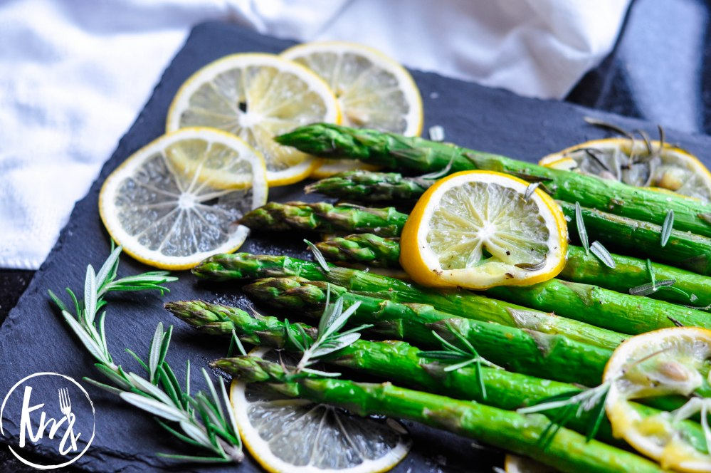 Roast asparagus with lemon-0508